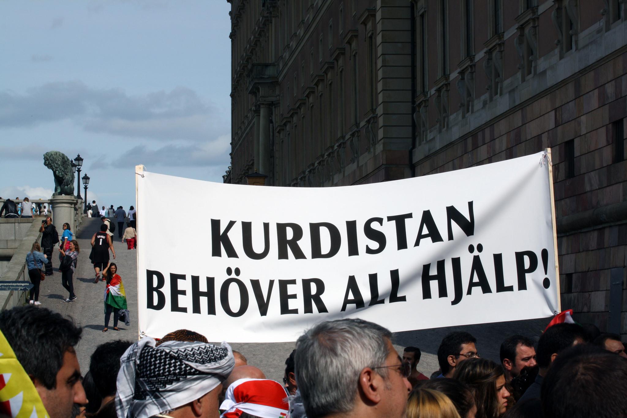 Manifestation à Stockholm (Suède) le 17 août 2014. « Kurdistan besoin d'aide ! ». Crédit Stefan Olsson / Flickr (CC BY 2.0)
