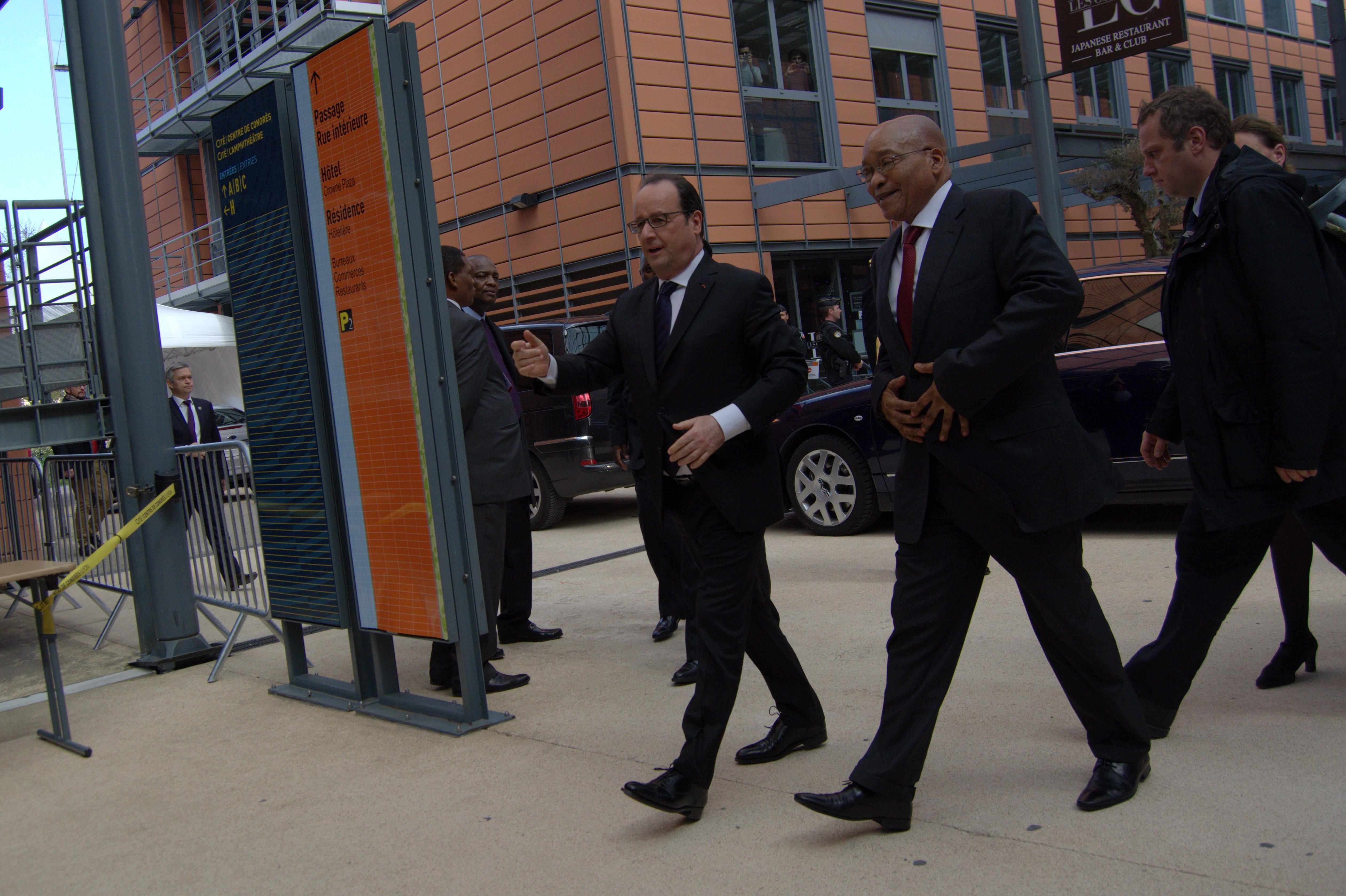 François Hollande et son homologue Jacob Zuma, le président de l'Afrique du Sud, ont clôturé cet évènement le 23 mars 2016. Crédit : Auriane Guiot