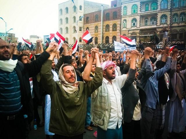Manifestations lors de la Révolution yéménite de 2011. Crédit : Flickr – Sallam.