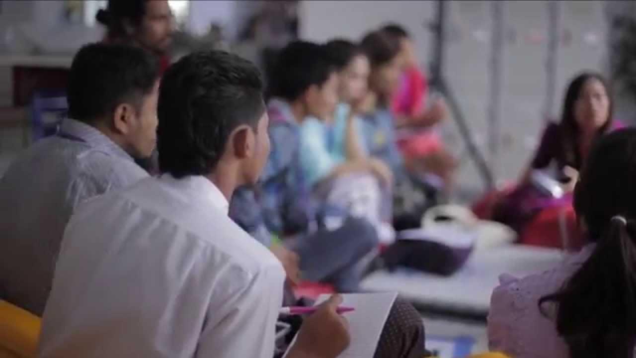Un échange sur la paix au Myanmar. Capture d'écran YouTube : https://www.youtube.com/watch?v=fuL2FE29aDQ.