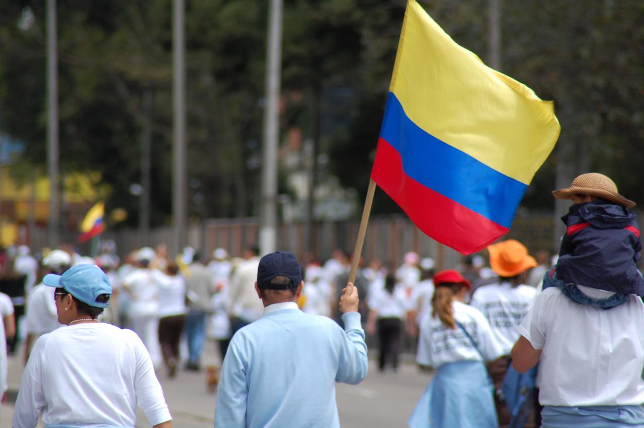 Une marche anti-Farc en Colombie. Crédit AlCortés (Flickr).