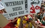 Un pays pacifiste à la dérive : la guerre des Indiens pauvres contre les malls