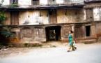 Frau in Nepal zu sein, der tägliche Kampf