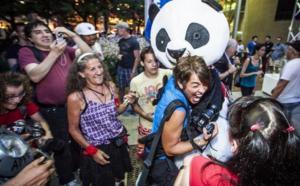 Québec : les câlins protecteurs d'Anarchopanda