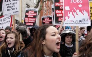 Les étudiants britanniques descendent dans la rue contre la hausse des frais de scolarité