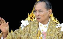 Thaïlande : 65ème anniversaire du couronnement du roi