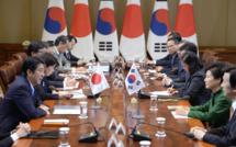 Japon et Corée du Sud : des rivalités économiques dissimulées sous un conflit mémoriel